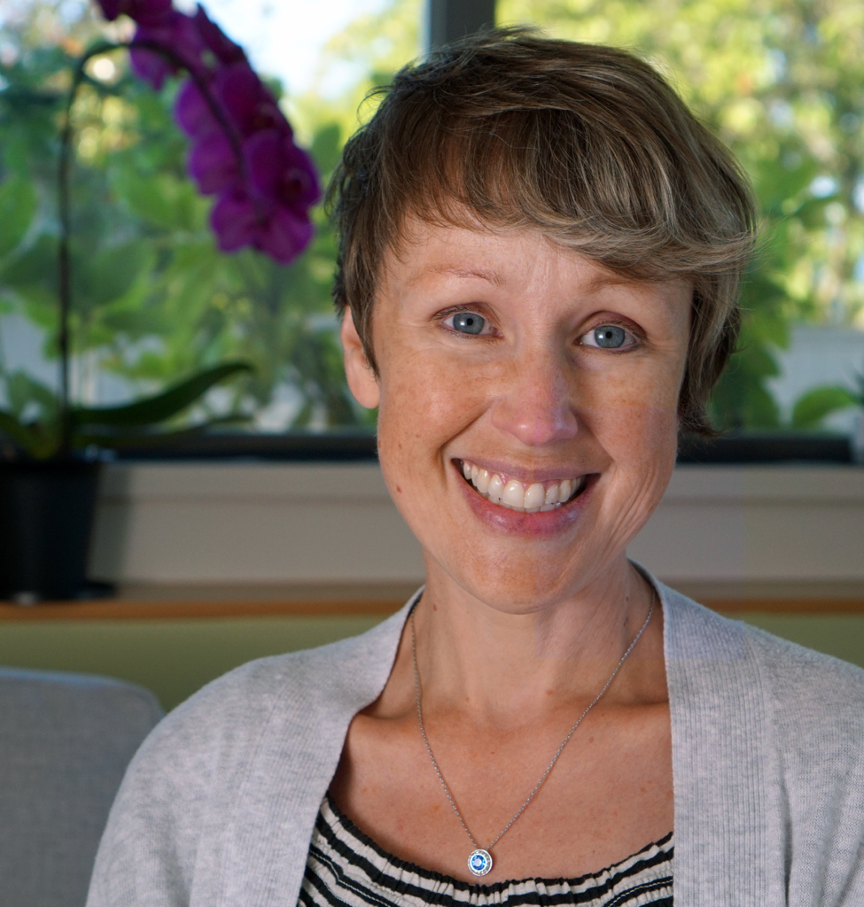 This is Elisabeth at Curious Meditator